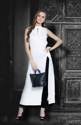 Casual Sleeveless White A-line Dress with Cut-out Collar and a Side Slit
