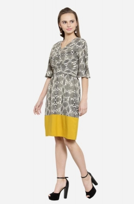 Casual Short Sleeve Abstract Design Short Dress with Contrasting Hemline