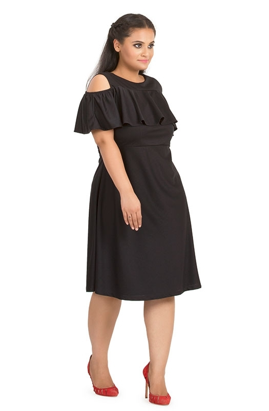 Cold-shoulders Ruffle Overlay Dress