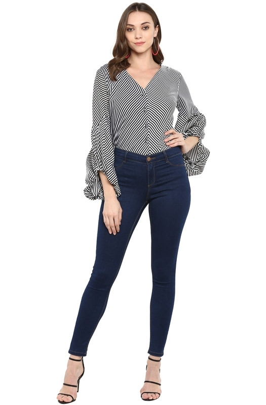 Monochrome Fit and Flare Casual Top