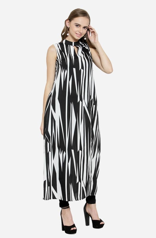 Casual Sleeveless Asymmetrical A-line Dress with Cut-Out Collar and a Side Slit