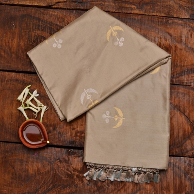 Dirty Beige handloom banarasi in roopa sona zari