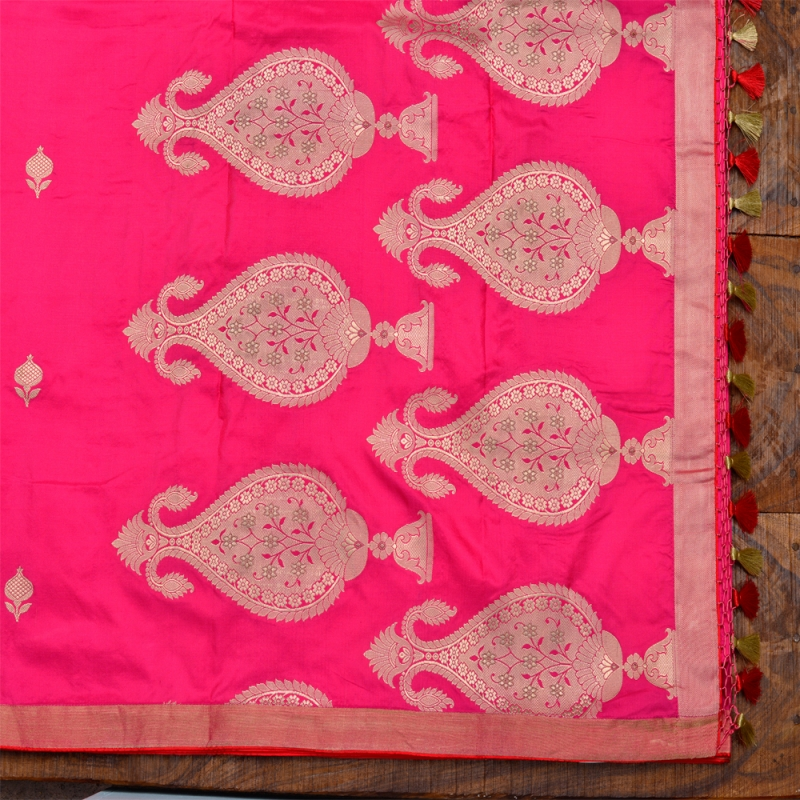 Pink handloom katan banarasi with red salvage and golden minimalistic motifs